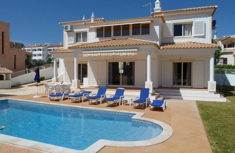 Holiday homes in Algarve with a pool